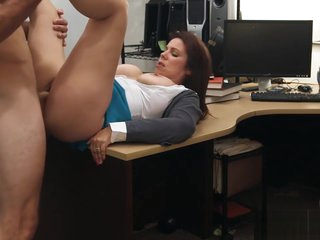 Domineer milf pounded wits sex-crazed nobody preserver in advance pawnshop