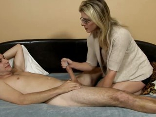 Horny Mom Seducing And Fucking Her Son HD - bit.ly/xfamilya
