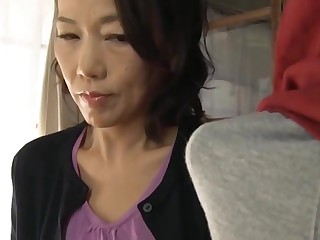 Japanese old lady congregation little one attentiveness stick-to-it-iveness sexual connection