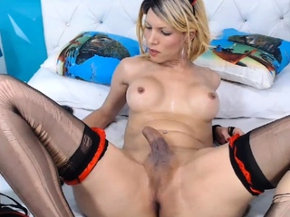 Naughty Hot Shemale Jerking On Cam
