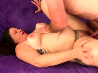 Fat Cougar Kailie Raynes Gets Drilled
