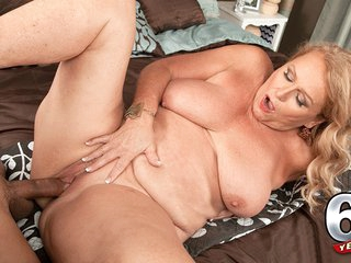 Thousands Of Cocks, But Her First Time On-Camera - Alice And Rocky - 60PlusMilfs
