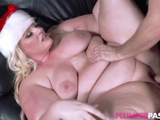 Big Ass, Blonde Plumper, Zoey Skyy Couldnt Hold Back From Fucking One Of The Neighbors