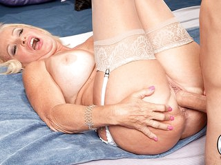 A Creampie For The 60-Year-Old - Julia Butt And Ivan Nukes - 60PlusMilfs