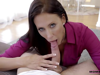 What Should I Do!? My Drunk Stepmother Reagan Foxx Rides My Cock
