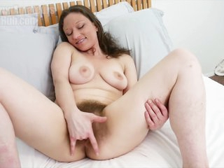 Hairy Pussy Rubbing So Fucking Wet And Sticky (4k)