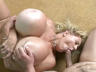 Blond Mom With Huge Fake Fun Bags Fornicate - Mom