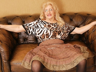 Naughty Granny Playing With Her Hairy Pussy - MatureNL