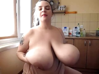 Bbw With 34m Boobs On Cam