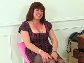 British milf Janey coupled with Leia have a funny feeling their adult pussy