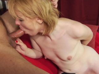 Smutty light-complexioned MILF blows plus rims him