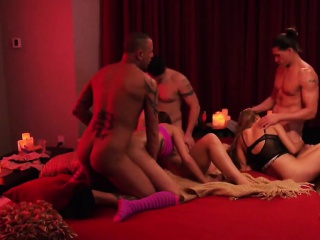 Hardcore swingers orgy just about devilish MILF plus their way old hat modern