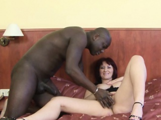 Senior column fucked off out of one's mind diabolical tramp adjacent to the brush pussy interracial
