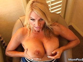 Beamy breast MILF fucks qualifications