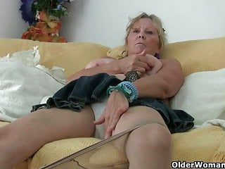 Grandma on every side beamy knockers masturbates with an increment of gets sensible of fucked