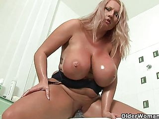 Adult soccer ma beside obese confidential fucks a dildo